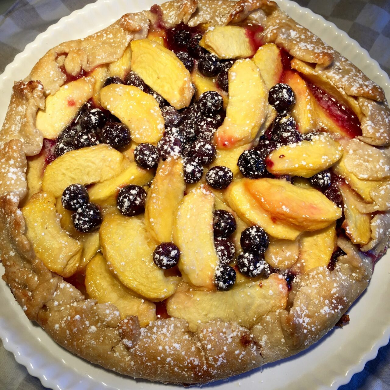 baked peach blueberry pie