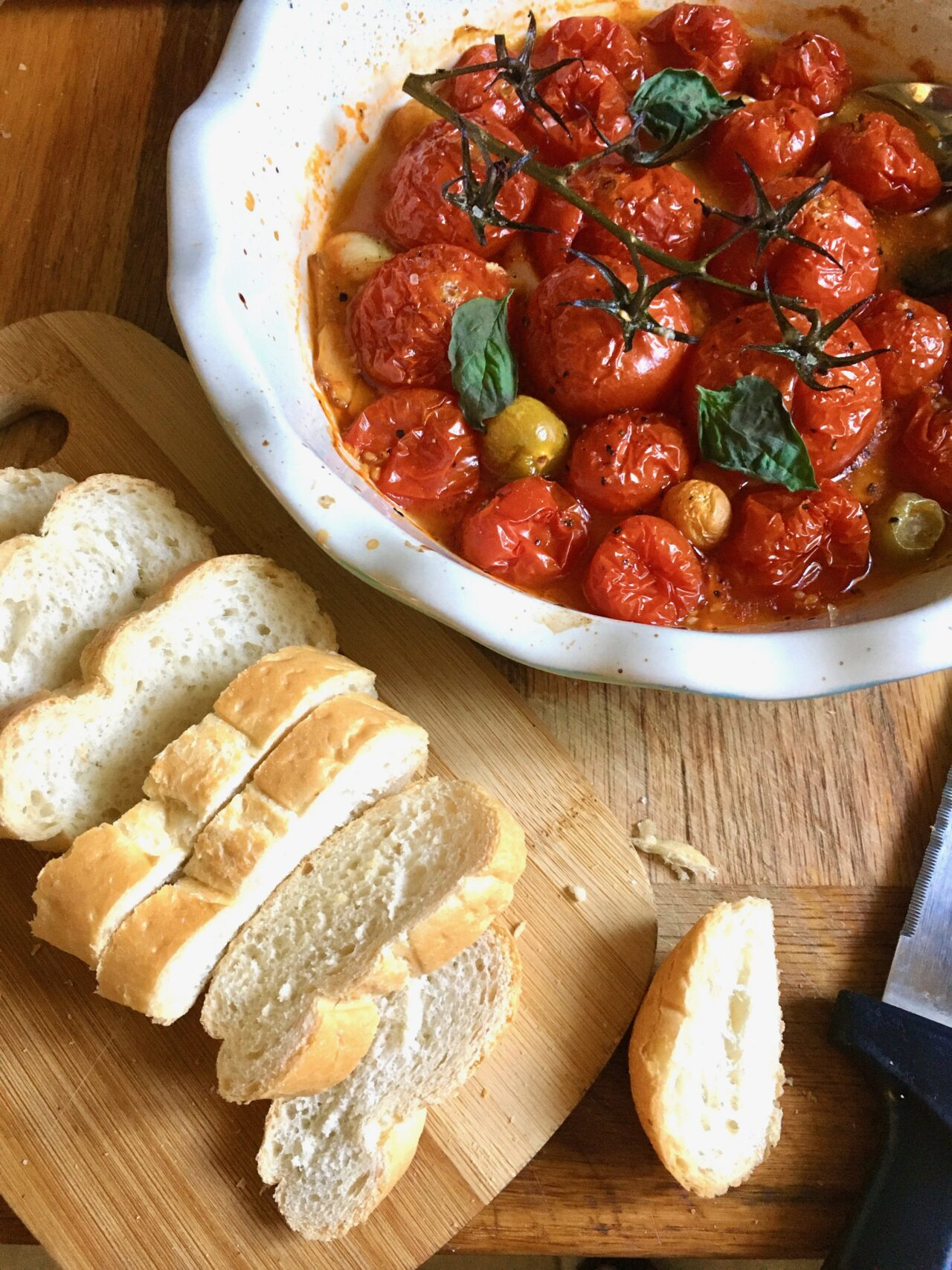 roasted tomatoes dip or spread over bread slices
