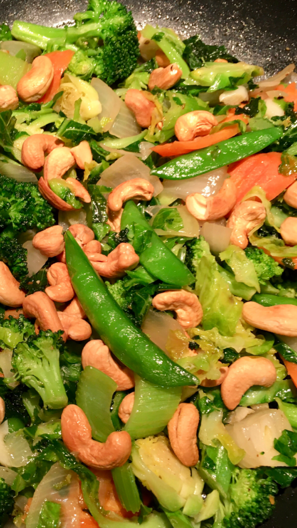 Stir Fried Vegetables with Toasted Cashews